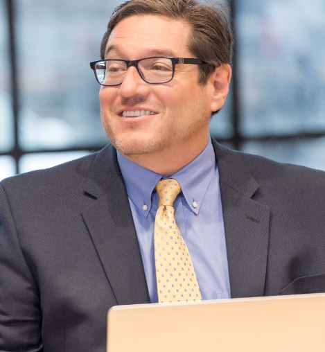 Louis Llanes, CMT, CFA